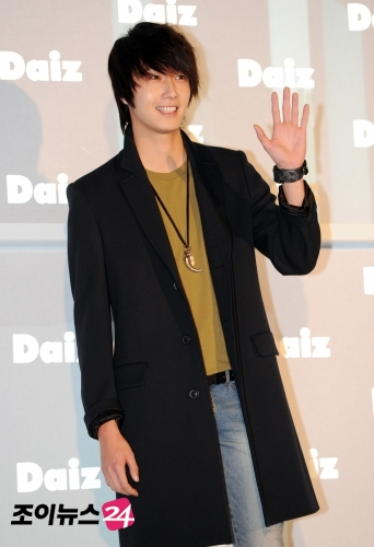2011-JIW D Daiz Black overcoat 5