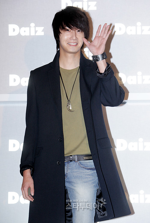 2011-JIW D Daiz Black overcoat 6