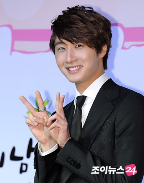 2011 10 27 Jung II-woo FBRS Press Conference 12