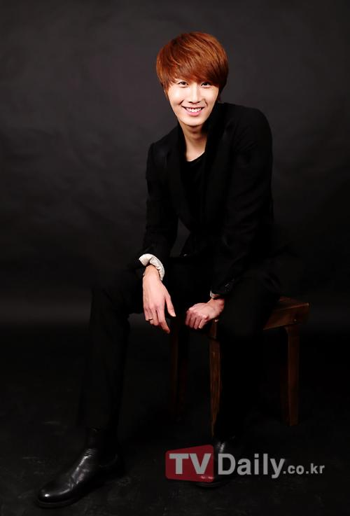 2011 12 13 Jung II-woo for TV Daily 00002