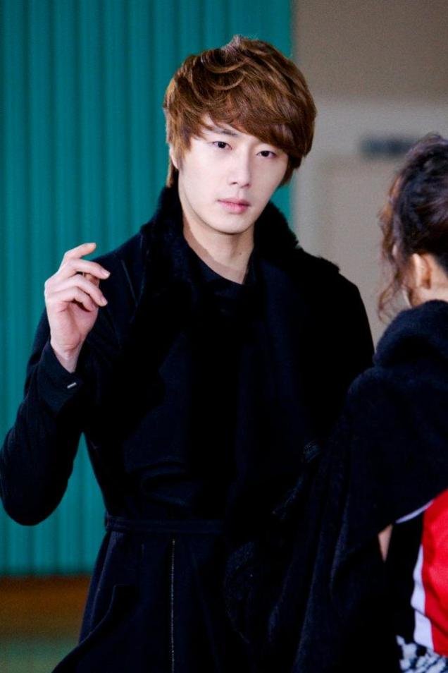 2011 12 19 Jung II-woo in FBRS Ep 15 X00001