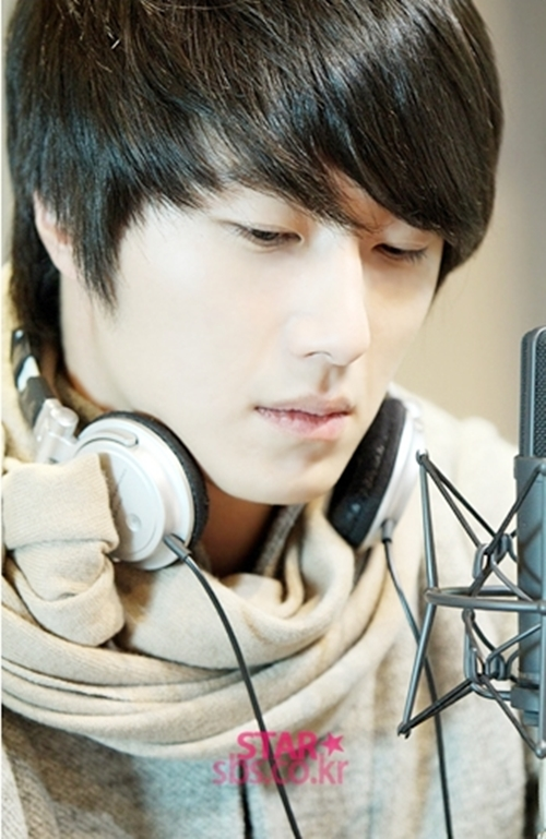 2011 12 22 Jung II-woo visits SBS POWER FM 00021