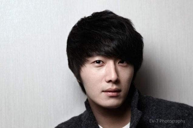 2011 12 26 Jung II-woo for Entermedia 00001