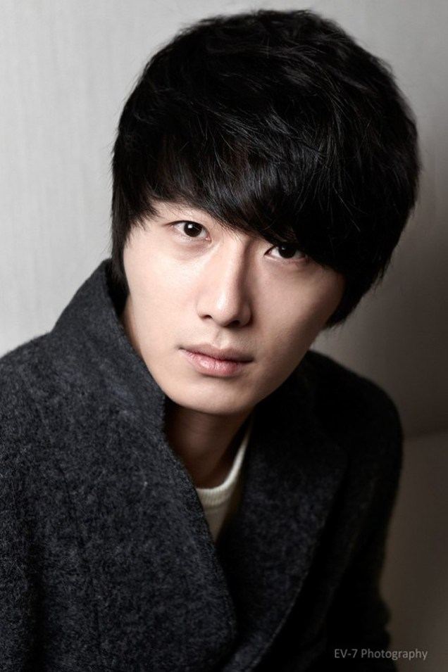 2011 12 26 Jung II-woo for Entermedia 00003
