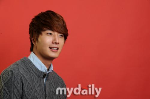 2011 Jung II-woo in UJIWP 00005
