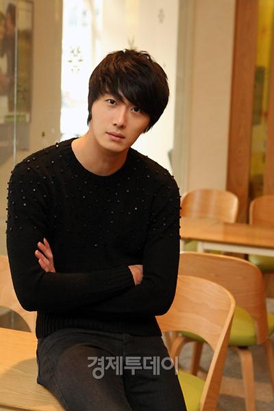 2012-1-3 Jung II-woo for ETO 2.jpg