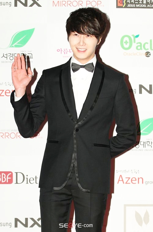 2012 1 18 Jung II-woo in Asia Model Awards 00009