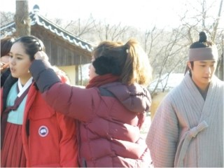 2012 1 18 Jung II-woo Moon Episode 8 BTS Xtras 00008