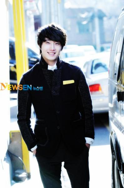 2012 1 6 Jung II-woo in Donga Interview 00001