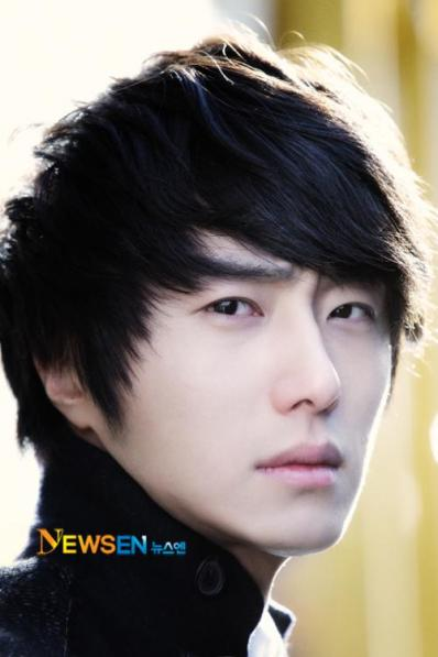 2012 1 6 Jung II-woo in Donga Interview 00002