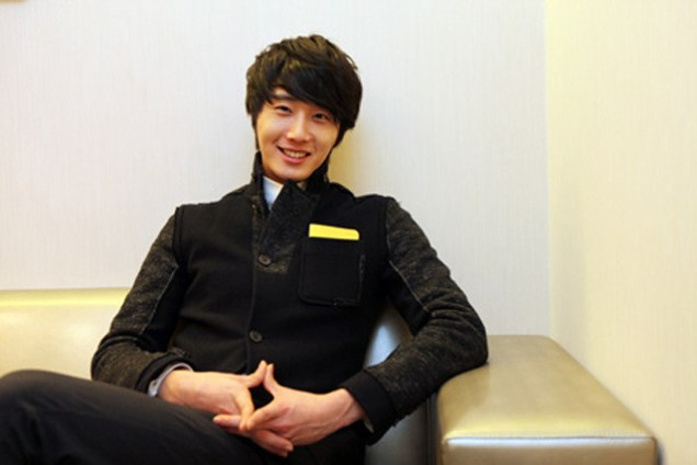 2012 1 6 Jung II-woo in Donga Interview 00006.jpg