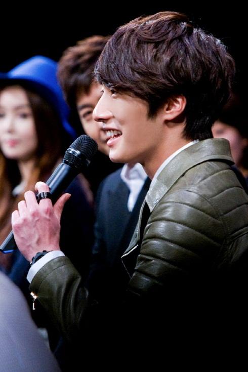2012 2 6 Jung II-woo at the 49 Days Fan Meet in Tokyo Japan 00025