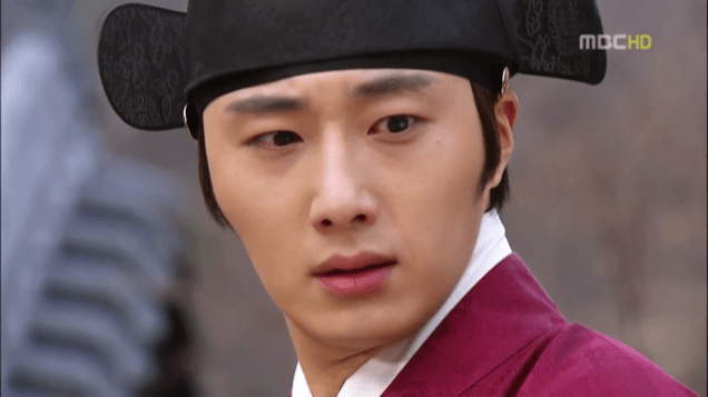 2012 2 Jung II-woo in The Moon that Embraces the Sun Episode 13 00014