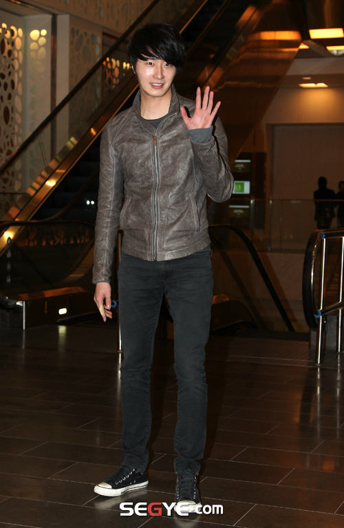 2012 3 16 Jung II-woo in TMTETS Wrap Up Party 00003