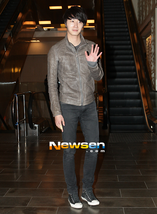 2012 3 16 Jung II-woo in TMTETS Wrap Up Party 00007