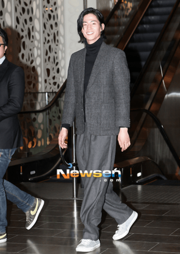 2012 3 16 Jung II-woo in TMTETS Wrap Up Party 00020