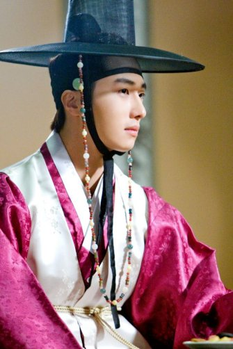 2012 Jung II-woo in The Moon Embracing the Sun Episode 6 Extras 00003