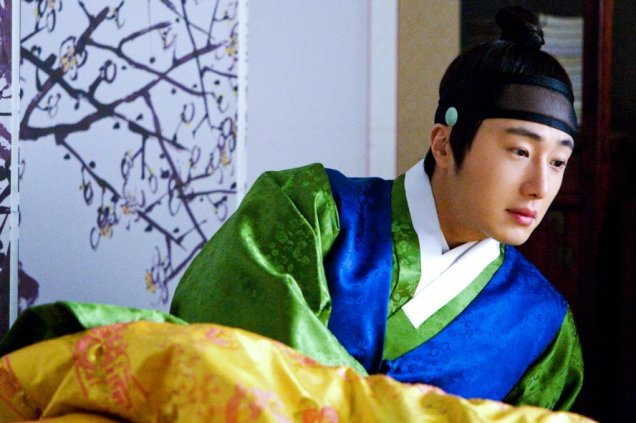 2012 Jung II-woo in The Moon Embracing the Sun Episode 6 Extras BTS 00019