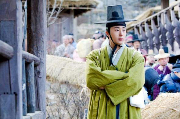 2012 Jung II-woo in The Moon Embracing the Sun Episode 7 Extras BTS 00002