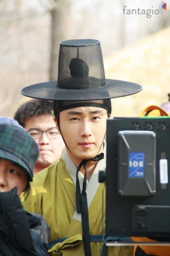 2012 Jung II-woo in The Moon Embracing the Sun Episode 7 Extras BTS 00003