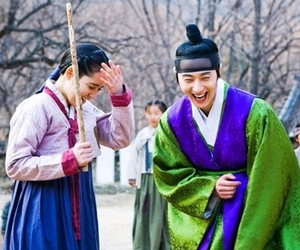 Jung II-woo in The Moon that Embraces the Sun BTS Episode 15 00035