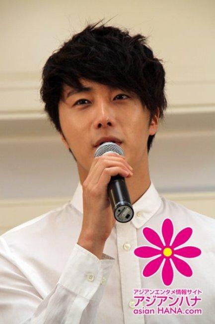 2012 3 JIW Jung II-woo in Japan Part 3 Flower Boy DVD Press 00039