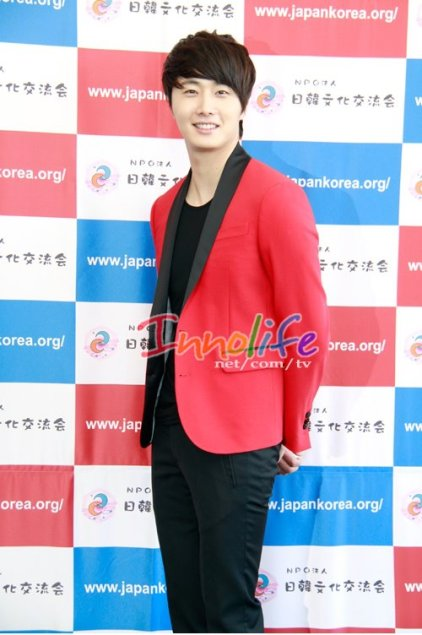 2012 4 10 Jung II-woo at Press Conference Japan00017