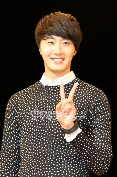 2012 4 8 Jung II-woo at Japan:Korea Festa00009