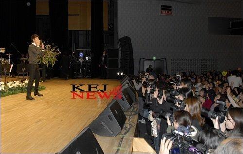 2012 4 8 Jung II-woo at Japan:Korea Festa00025