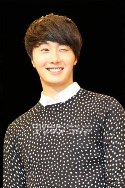2012 4 8 Jung II-woo at Japan:Korea Festa00030