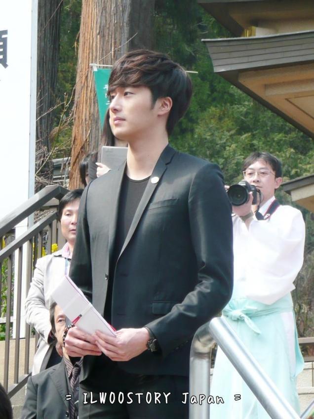 2012 4 9 Jung II-woo at Koma Temple in Hidaka Japan.00018