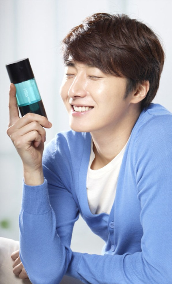 2012 Jung II-woo in Ads for Holika Holika jungilwoodelights.com00009