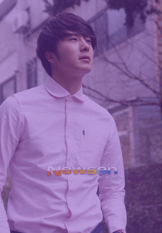 Jung II-woo in purple 13 .jpg