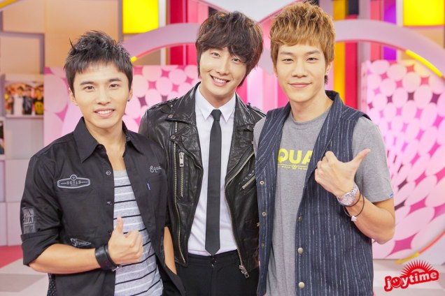 2012 10 23 Jung II-woo travels to Taiwan. 100% Entertainment Show Part 2 Show00004