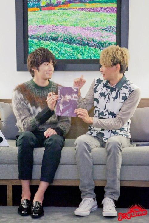 2012 10 23 Jung II-woo travels to Taiwan. I love JK Program 00003