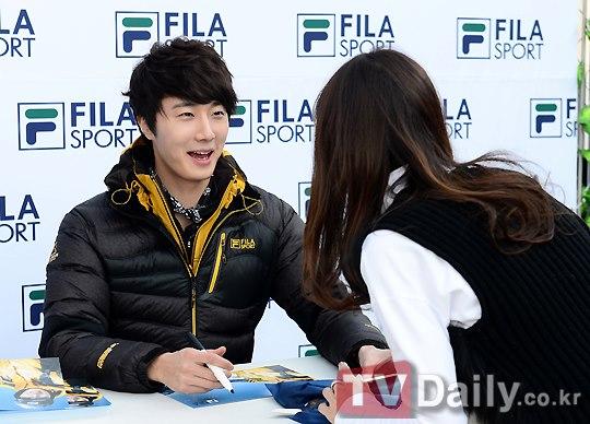 2012 11 3 Jung II-woo for FILA's Green Campaign00049