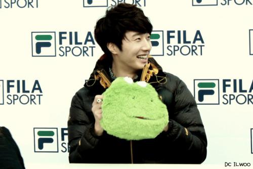 2012 11 3 Jung II-woo for FILA's Green Campaign00050