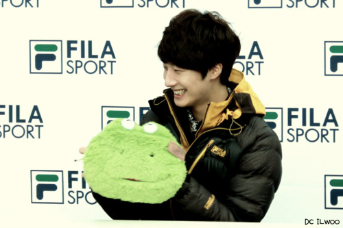2012 11 3 Jung II-woo for FILA's Green Campaign00052