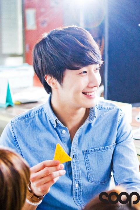 2012 5 19 Jung II-woo for Doritos00005