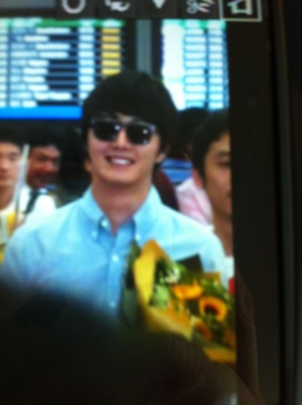 2012 6 15 Jung II-woo Shanghai Airport arrival00002