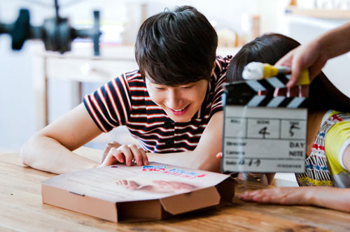 2012 6 Jung II-woo for Domino's Pizza Commercial and Photoshoot00002