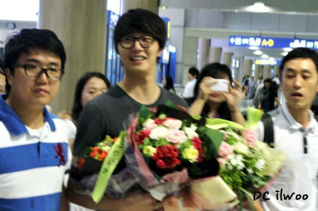2012 7 3 Jung II-woo airport arrival to Beijing, China. 00006