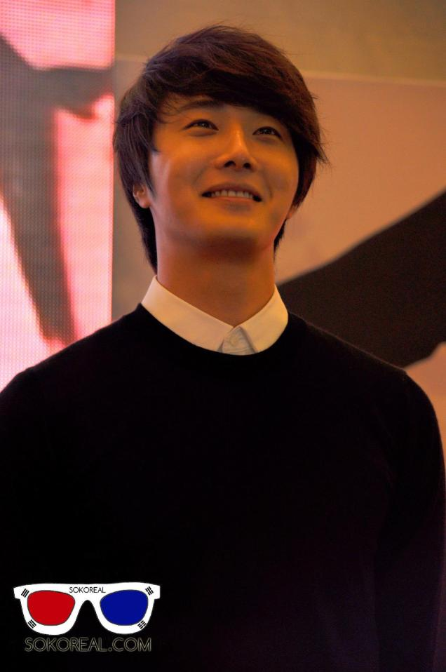 2012 9 23 Jung II-woo in Holika Holika's Fan Meet in Malaysia 00012