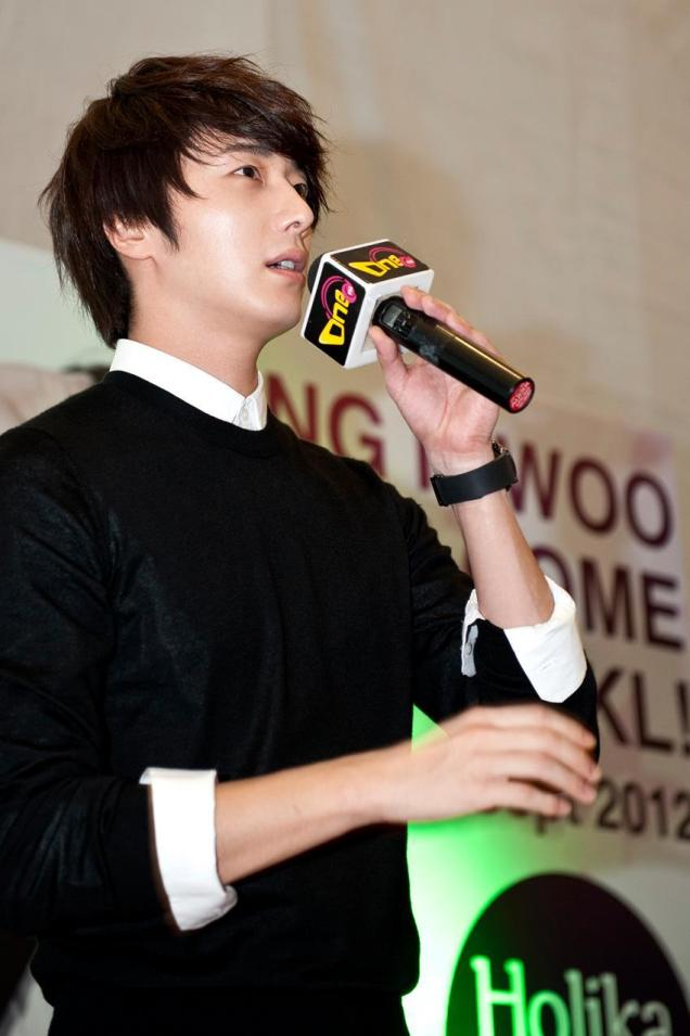 2012 9 23 Jung II-woo in Holika Holika's Fan Meet in Malaysia 00023