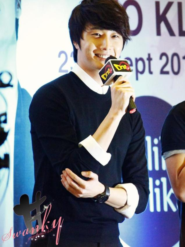 2012 9 23 Jung II-woo in Holika Holika's Fan Meet in Malaysia 00032