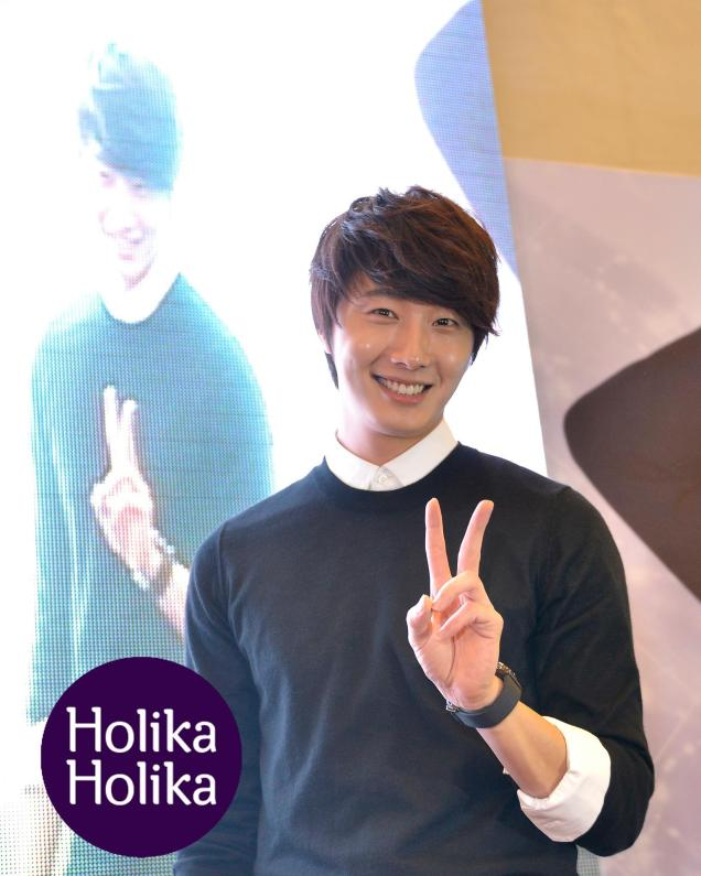 2012 9 23 Jung II-woo in Holika Holika's Fan Meet in Malaysia 00042