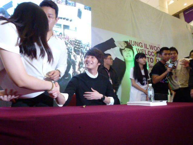 2012 9 23 Jung II-woo in Holika Holika's Fan Meet in Malaysia 00048
