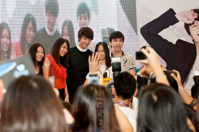 2012 9 23 Jung II-woo in Holika Holika's Fan Meet in Malaysia 00065