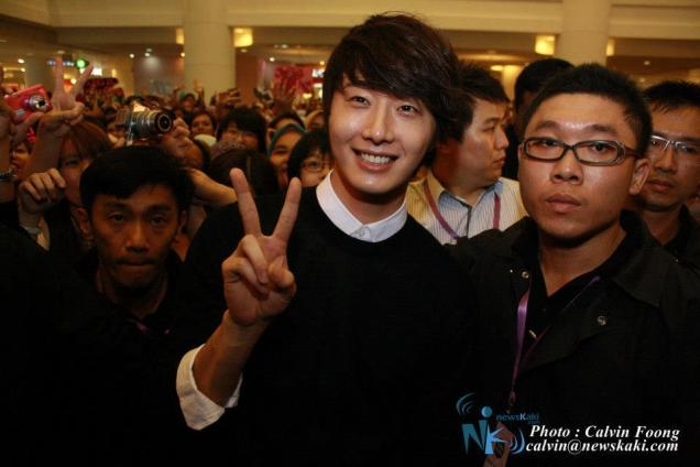 2012 9 23 Jung II-woo in Holika Holika's Fan Meet in Malaysia 00074