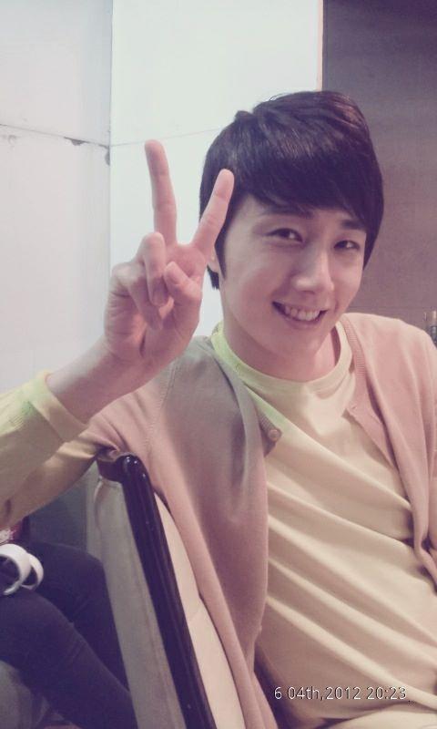 Jung II-woo Tweeted Photo June 4, 2012.jpg